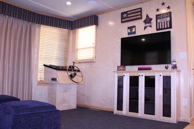 Freedom Houseboat TV
