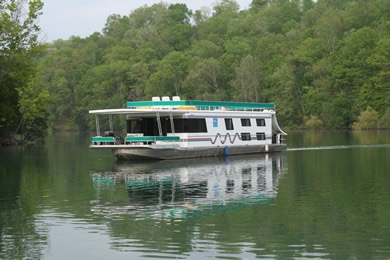 Dale Hollow Lake East Port Marina Houseboat